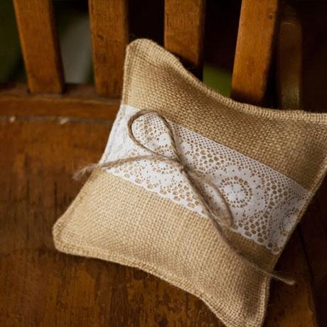 burlap lace rustic farmhouse ringbearer pillow diy tutorial